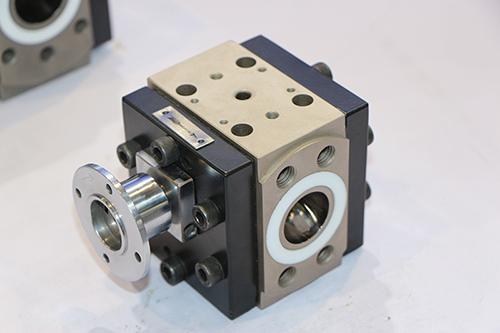 熔体计量齿轮泵